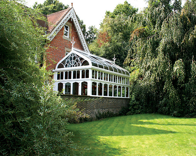 Award Winning Gothic Oak Conservatory Traditional