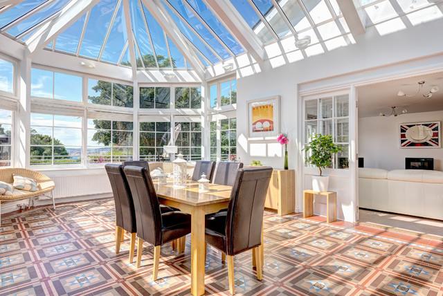 Collingwood contemporary-sunroom
