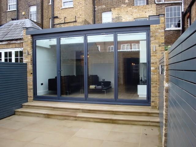 Contemporary garden room contemporary conservatory for Modern garden rooms london