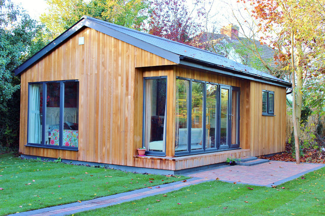 Contemporary Wooden Log Cabin Style Small Home