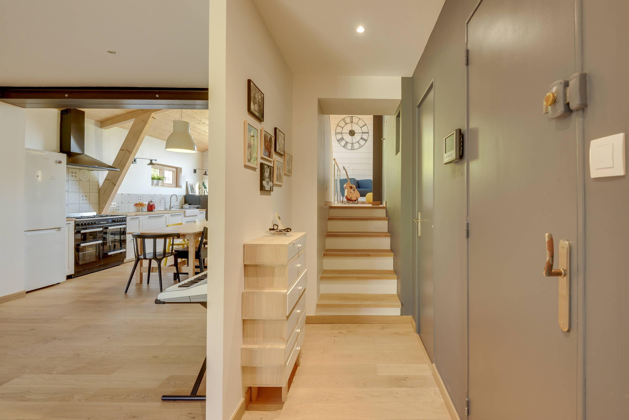 Aménagement d'une extension en bois cuisine, bibliothèque, suite parentale