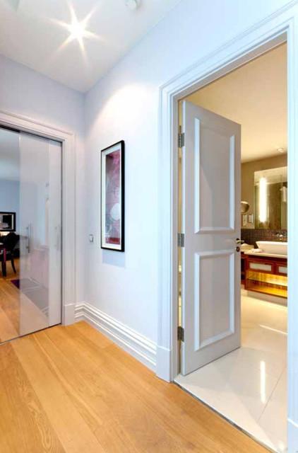 couloir porte coulissante et porte battante moderne couloir autres p rim tres par eclisse. Black Bedroom Furniture Sets. Home Design Ideas