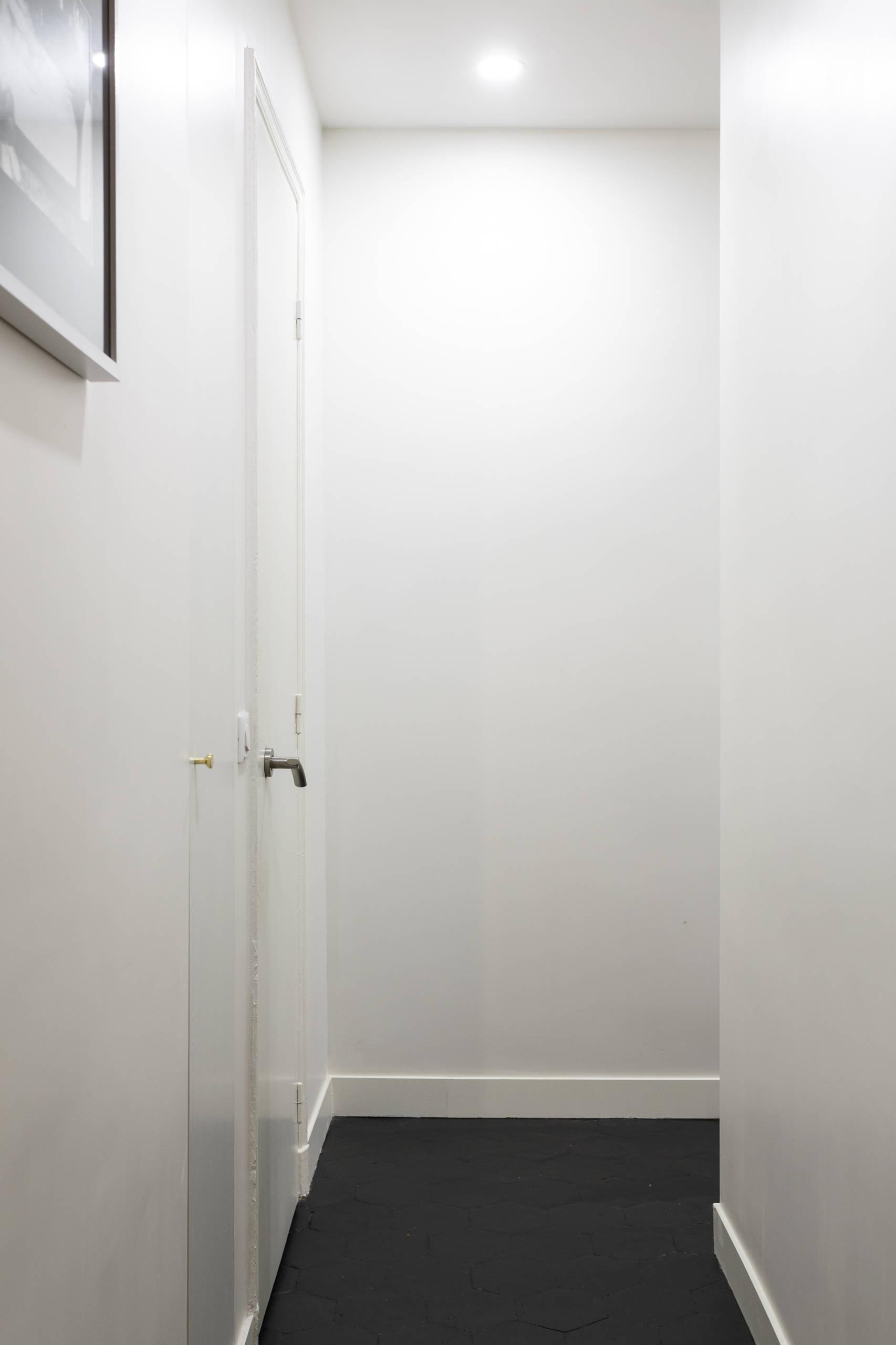 Gagner un espace de rangement dans le couloir