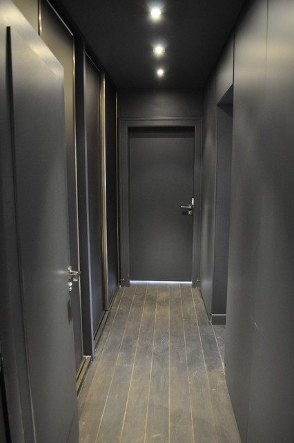 Maison familiale contemporaine couloir for Couloir contemporain