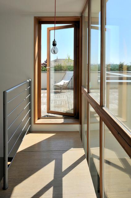maison individuelle 204 m2 moderne couloir lyon par switch architectes. Black Bedroom Furniture Sets. Home Design Ideas
