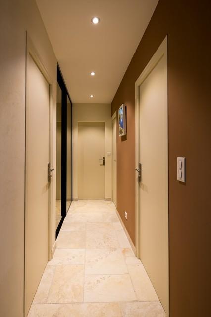 Maison particulière - Décoration - Modern - Hallway ...