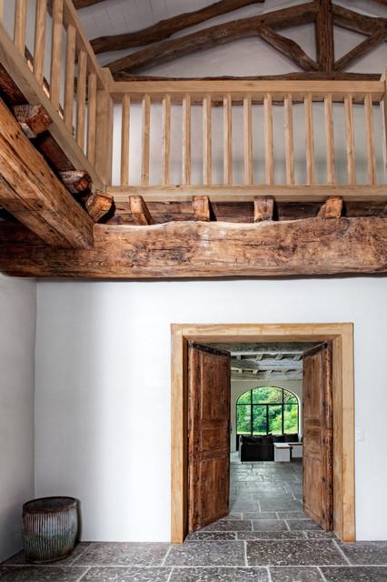 R novation d 39 une ferme au pays basque for Architecte renovation ferme