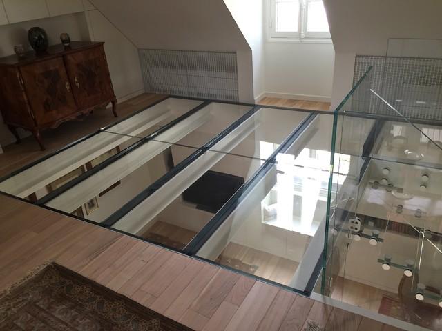 sol en verre extra clair extra clear glass floor. Black Bedroom Furniture Sets. Home Design Ideas