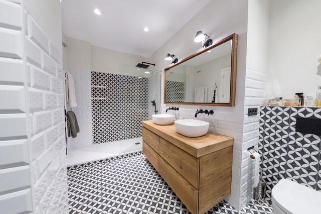 Bagno Con Doccia Al Centro : Apartamento en el centro contemporaneo stanza da bagno