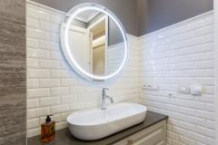 Por qué los espejos redondos han conquistado el baño moderno