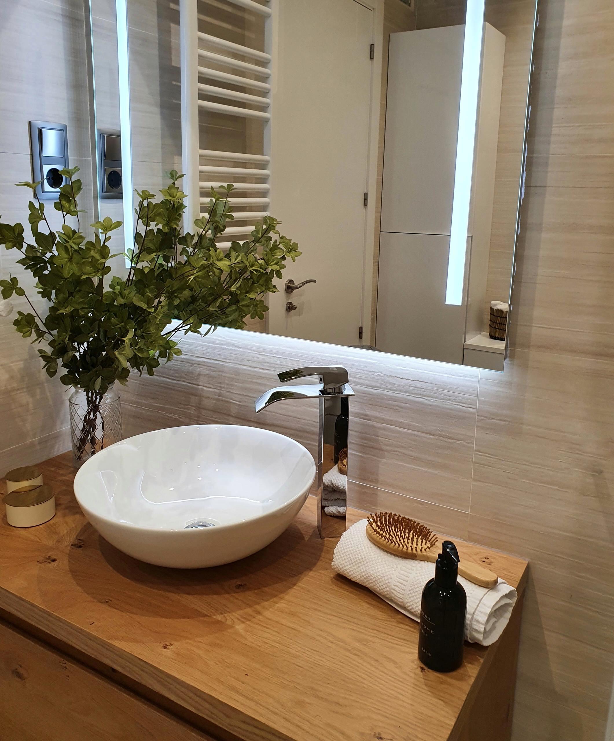 Baño reformado, zona de lavabo