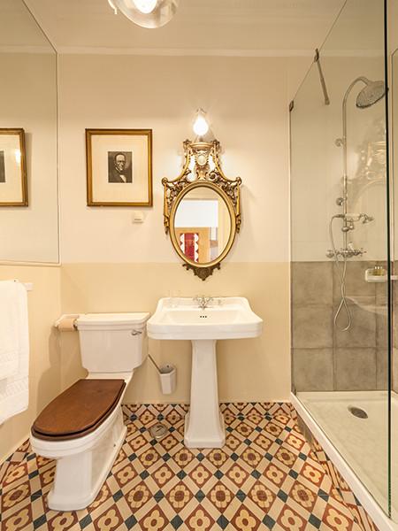 Baldosas Cuarto Baño:Baños con baldosas hidráulicas clasico-cuarto-de-bano