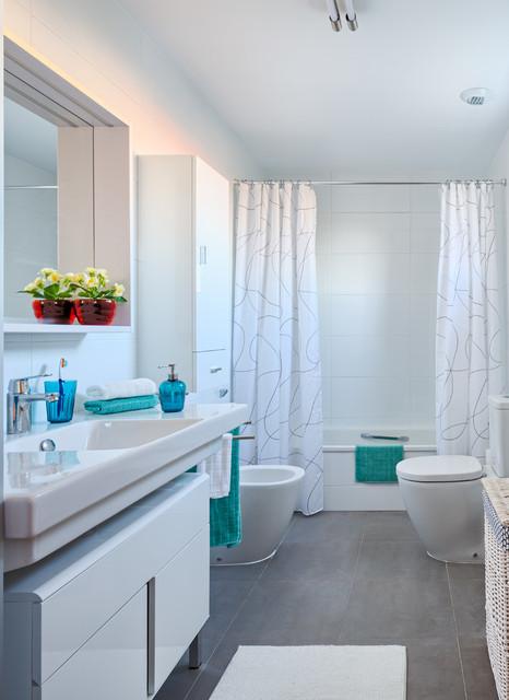 Casa ikea revista casa diez cl sico renovado cuarto de - Ikea cuartos de bano ...