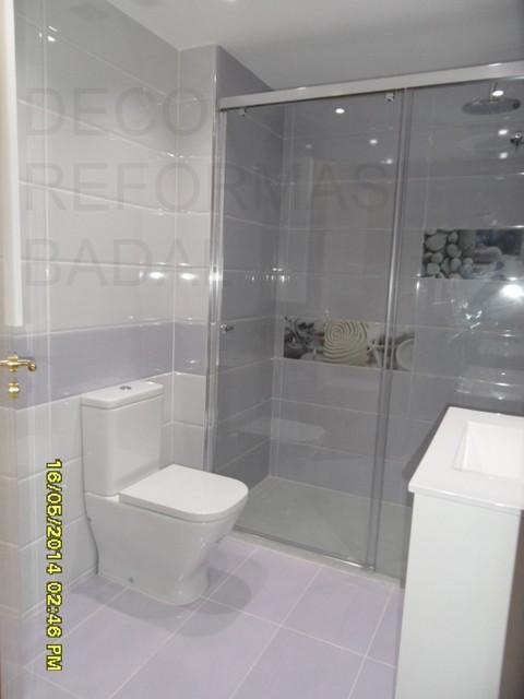 Reforma ba o color blanco y lila decorado spa - Ver cuartos de bano ...