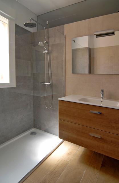 Reforma duplex contemporary bathroom seville by - Cm4 arquitectos ...