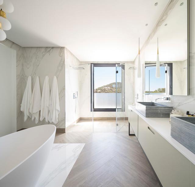 Vivienda en Ibiza contemporaneo-cuarto-de-bano