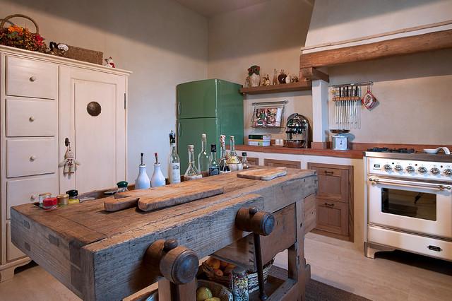 Revival come trasformare un vecchio banco da falegname - Cucine di campagna ...