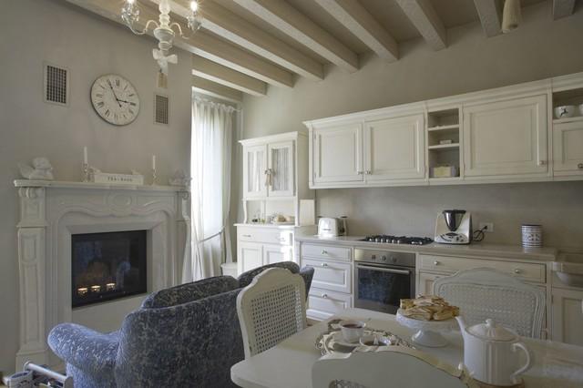 Appartamento di pregio - Asolo - Shabby-Chic Style - Living Room ...