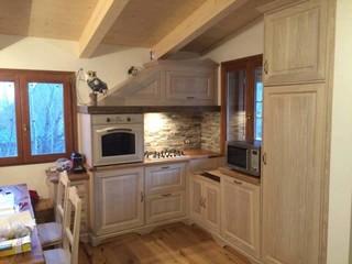 Arredare una piccola baita per 4 persone 1 in montagna cucina altro di falegnameria - Cucina angolare piccola ...
