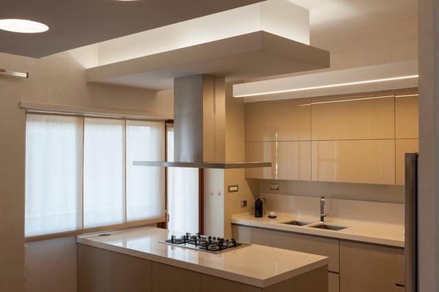 Attico nc moderno cucina roma di architetto chiara for Cucine moderne 4000 euro
