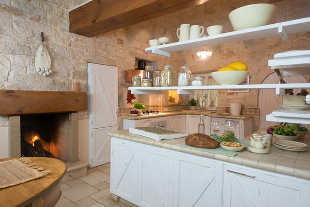Cucina casa di campagna for Cucine arredate