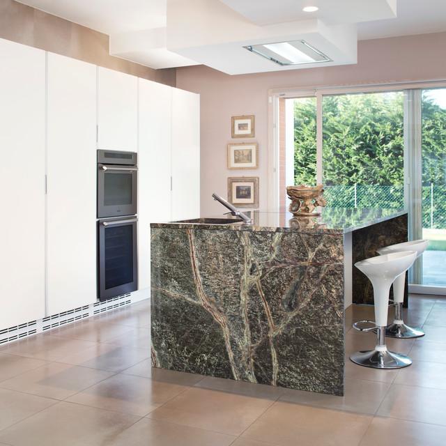 Little modern house - Modern - Kitchen - Bologna - by Guido ...