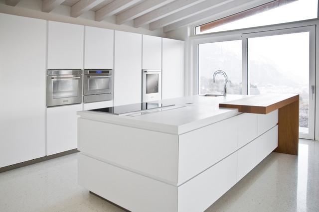 Cucina a isola con inserto ligneo contemporaneo cucina for Cucine di design con isola