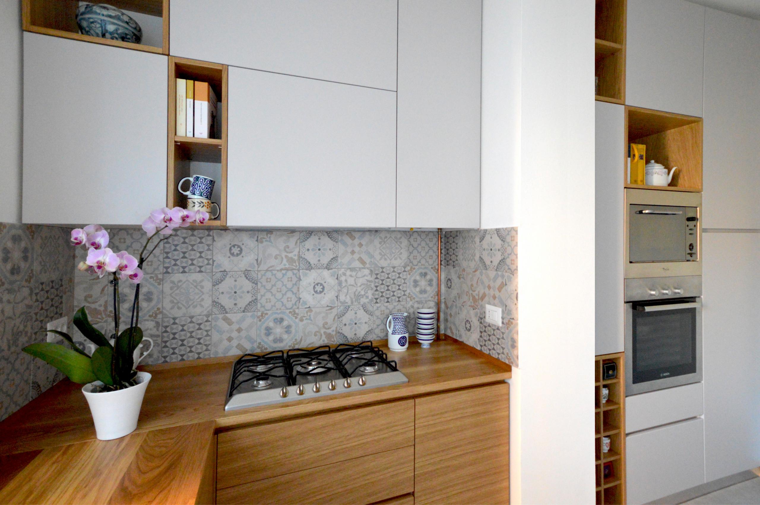 Cucina e bagno in legno naturale | 120 mq