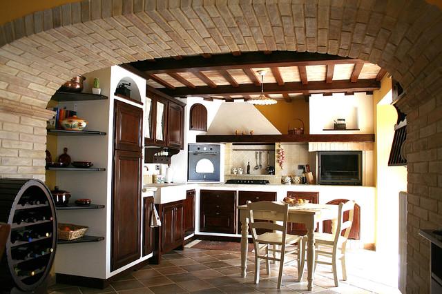 Cucina e soggiorno in tavernetta