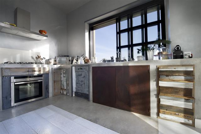 Cucina Legno di recupero e muratura - Industrial - Küche ...