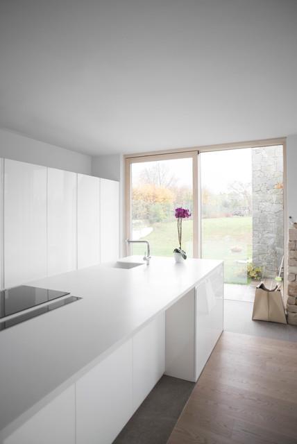 Cucina total white contemporaneo cucina venezia di for Arredamento total white