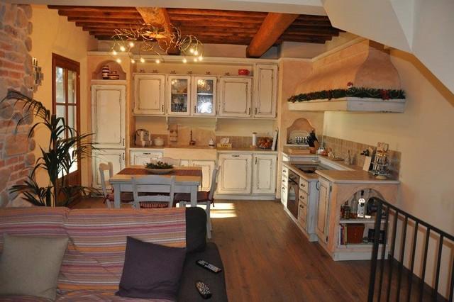 Cucine rustiche piastrellate o in muratura in campagna - Cucine rustiche in muratura ...