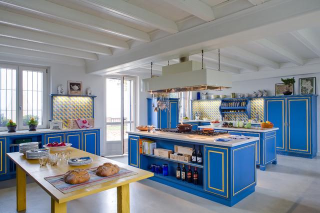Grande cucina azzurra