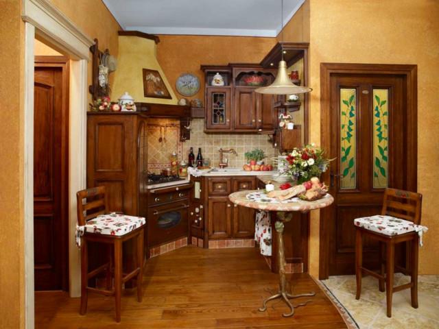 Le nostre cucine artigianali in legno in montagna cucina torino di fonte del rustico - Cucine di montagna ...
