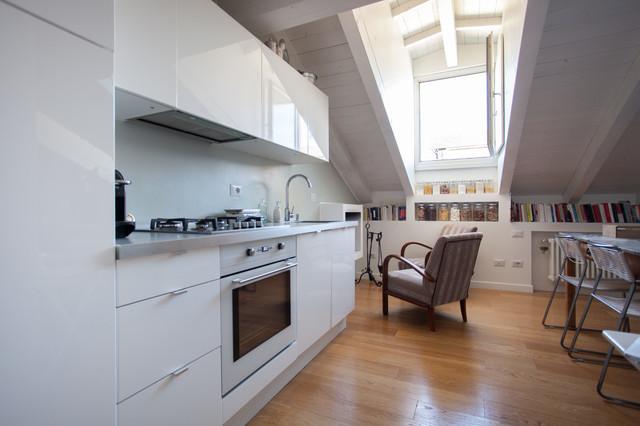Mansarda bianca moderna - Contemporaneo - Cucina - Roma - di arch ...