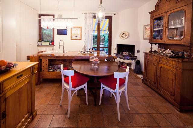 Restauro mobili antichi a Mariano Comense