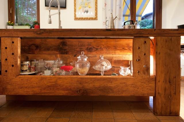 Restauro mobili antichi a Mariano Comense - In Campagna - Cucina ...
