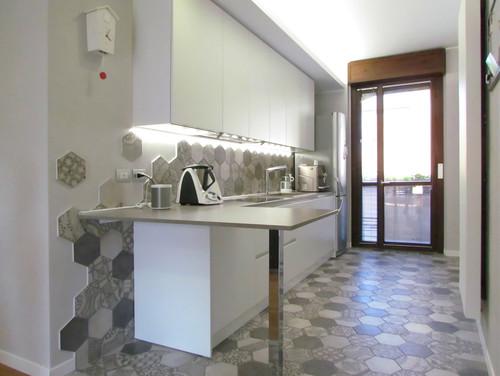 la trasformazione di una cucina lunga e stretta