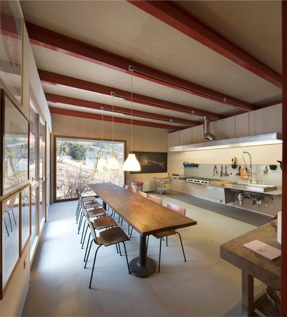 Idee per una grande cucina design con lavello a doppia vasca, top in acciaio inossidabile, pavimento in gres porcellanato e nessuna isola