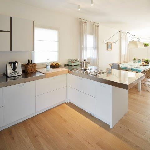 Foto di una cucina minimal