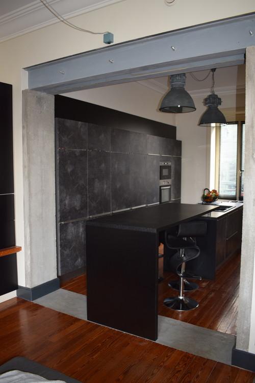 avant apr s cuisine et salon esprit loft b ton bois noir. Black Bedroom Furniture Sets. Home Design Ideas