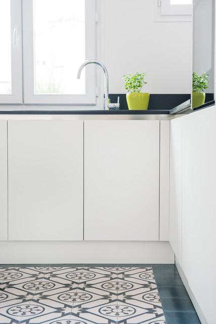 Appartement haussmannien de 70m2 contemporary kitchen for Decoration maison 70m2