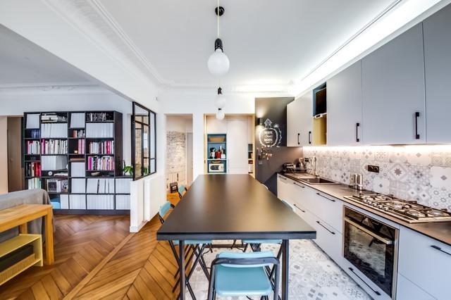 appartement haussmannien paris 9eme industriel cuisine paris par sara camus bouanha. Black Bedroom Furniture Sets. Home Design Ideas