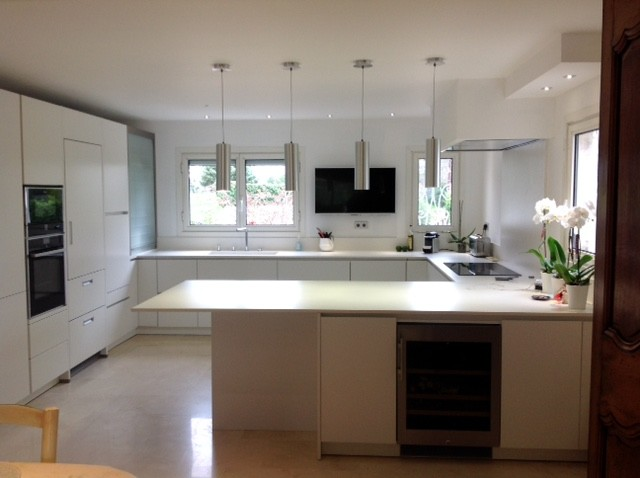 free conception et ralisation cuisine alno design plan de travail dekton with alno cuisine avis. Black Bedroom Furniture Sets. Home Design Ideas