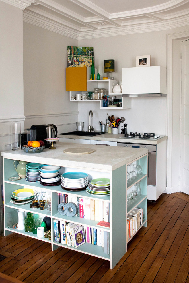 Inspiration for a small contemporary galley kitchen remodel in Marseille