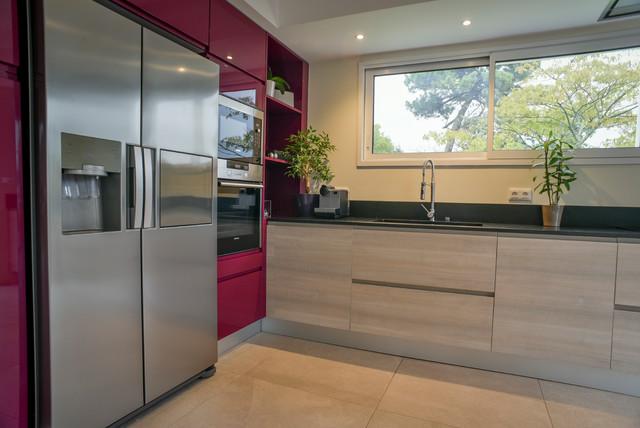 Cuisine Bois Prune Et Granit Zimbawe Modern Kitchen