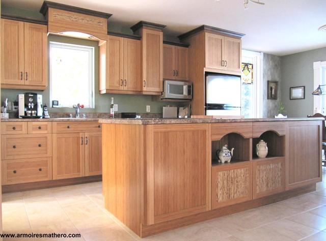 cuisine campagne en bois de bamboo vernis transitional. Black Bedroom Furniture Sets. Home Design Ideas