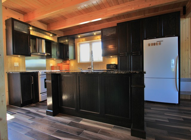 Cuisine Classique Traditional Kitchen Montreal By Ebenisterie B Coulombe