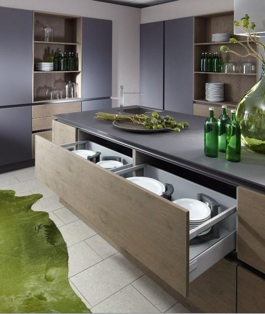 Cuisine design en laque et grand casserolier bi matière avec ...
