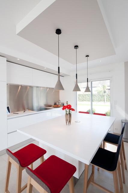 Cuisine design finition extr me blanc mod le sigma par for Finition interieur
